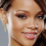 اصلاح گردی نوک بینی به وسیله ی جراحی بینی